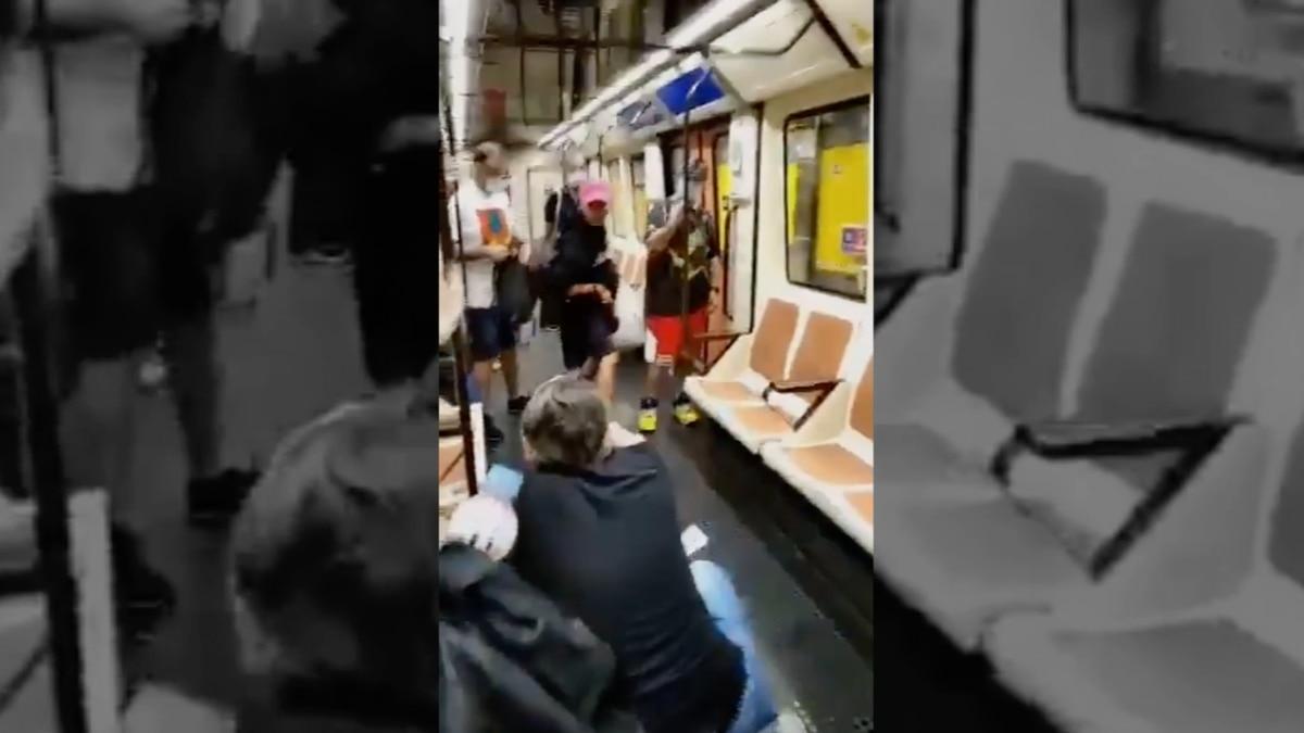Identifica al hombre que golpeó un inodoro en el metro de Madrid para pedirle que se pusiera una máscara |  Madrid