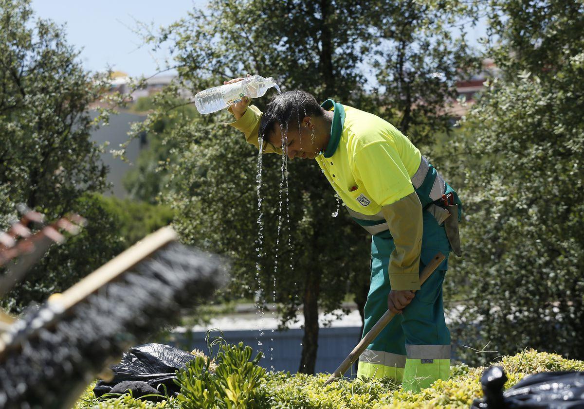 Infierno de un fin de semana con temperaturas de 44º |  España