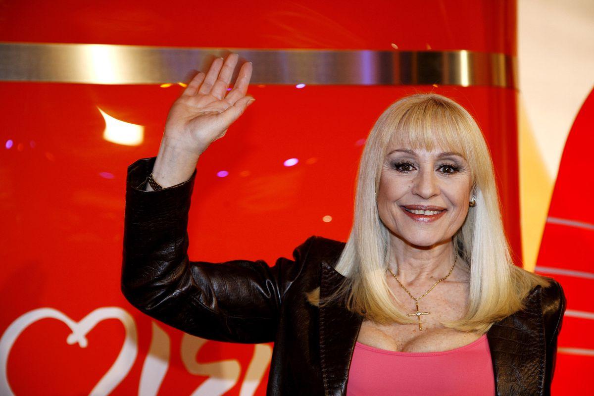 Italia se despide de Rafaela Kara durante mucho tiempo  Personas
