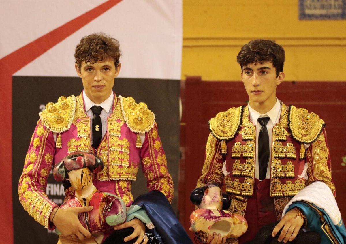 Jorge Martinez y Manuel Perera, dos grandes novedades, una carrera apasionante  El toro, junto a los cuernos  Cultura