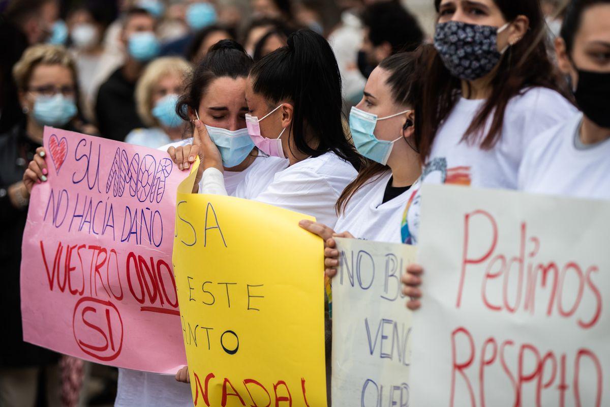 La fatal golpiza a un hombre en A Coruña provoca protestas del equipo LGTBI en varias ciudades españolas    Comunidad