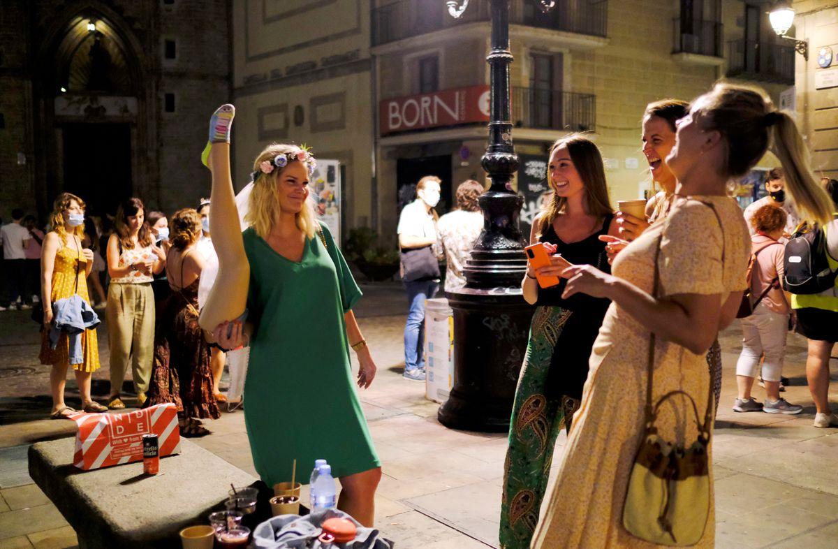 La frecuencia de covid en España se dispara hasta 436 casos por 100.000 habitantes  Comunidad
