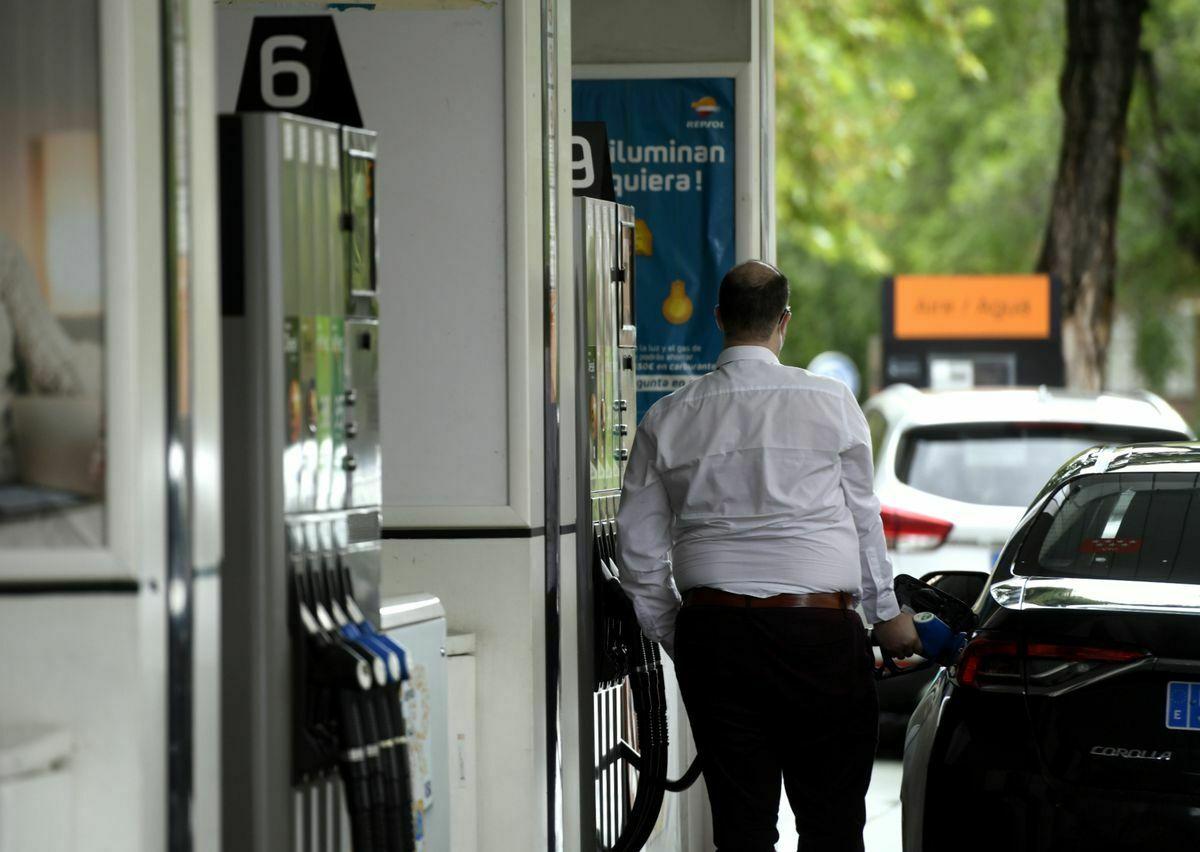 La gasolina supera los 1,40 euros por primera vez en siete años  Ciencias económicas