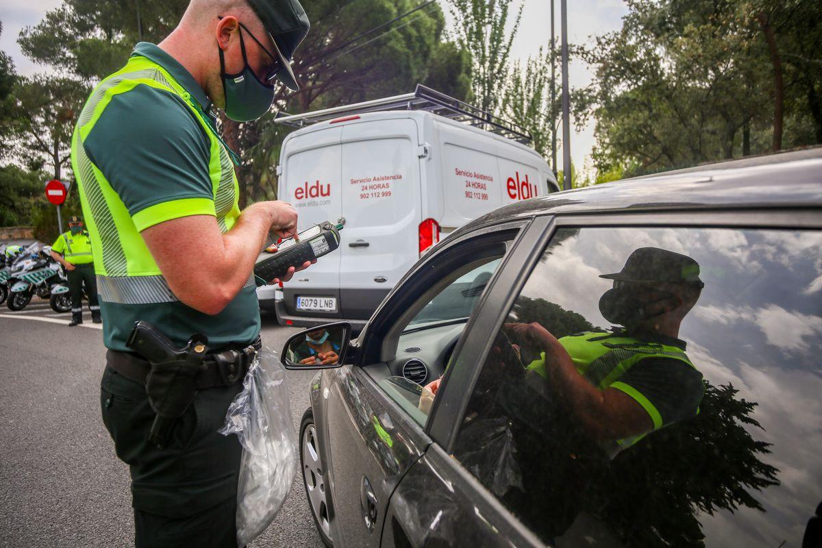 La mitad de los conductores que fallecieron en 2020 consumieron alcohol, drogas o psicofármacos |  España