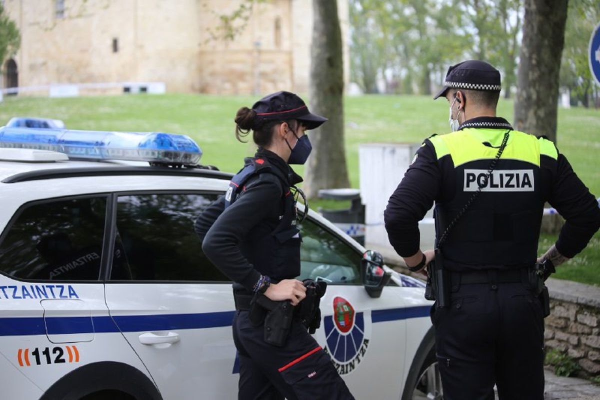 La ocupación de la casa de los octogenarios desencadenó una protesta vecinal en Bizkaia  España