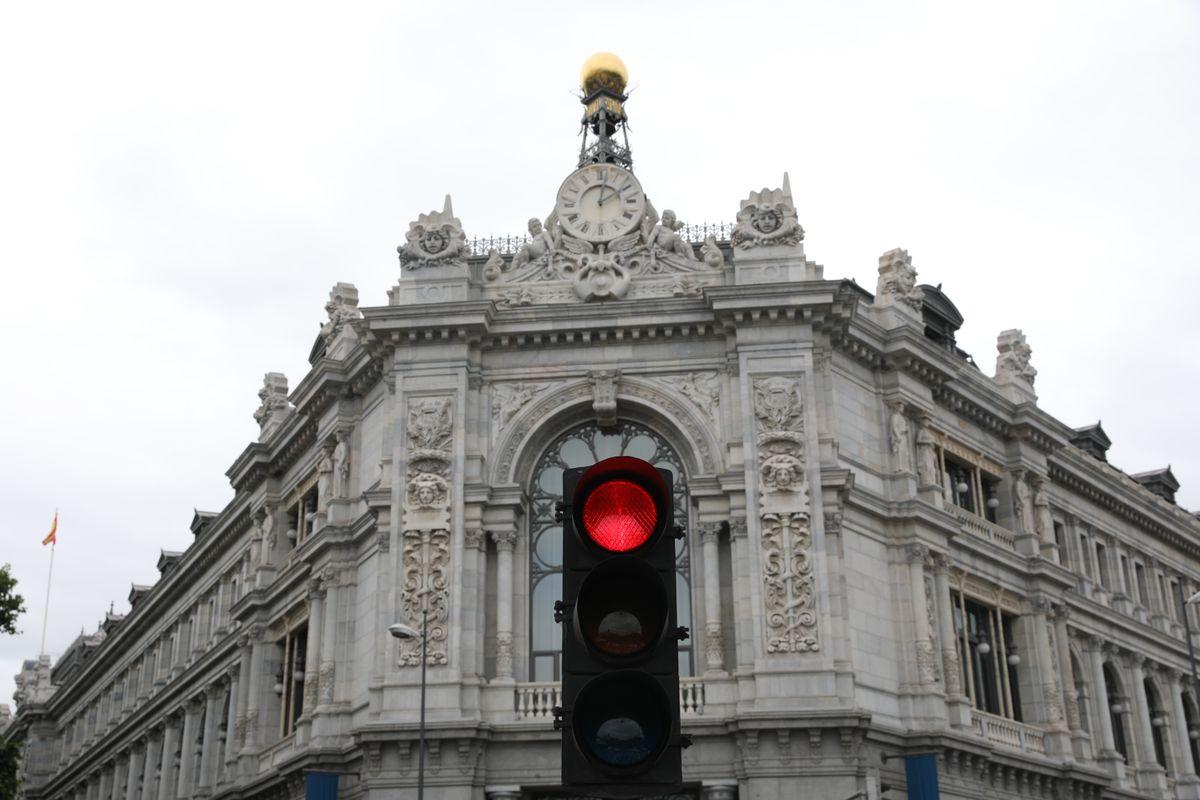 Los bancos ignoran las recomendaciones del Banco de España en las quejas de los clientes: ignoran 1500 reclamos positivos    Ciencias económicas