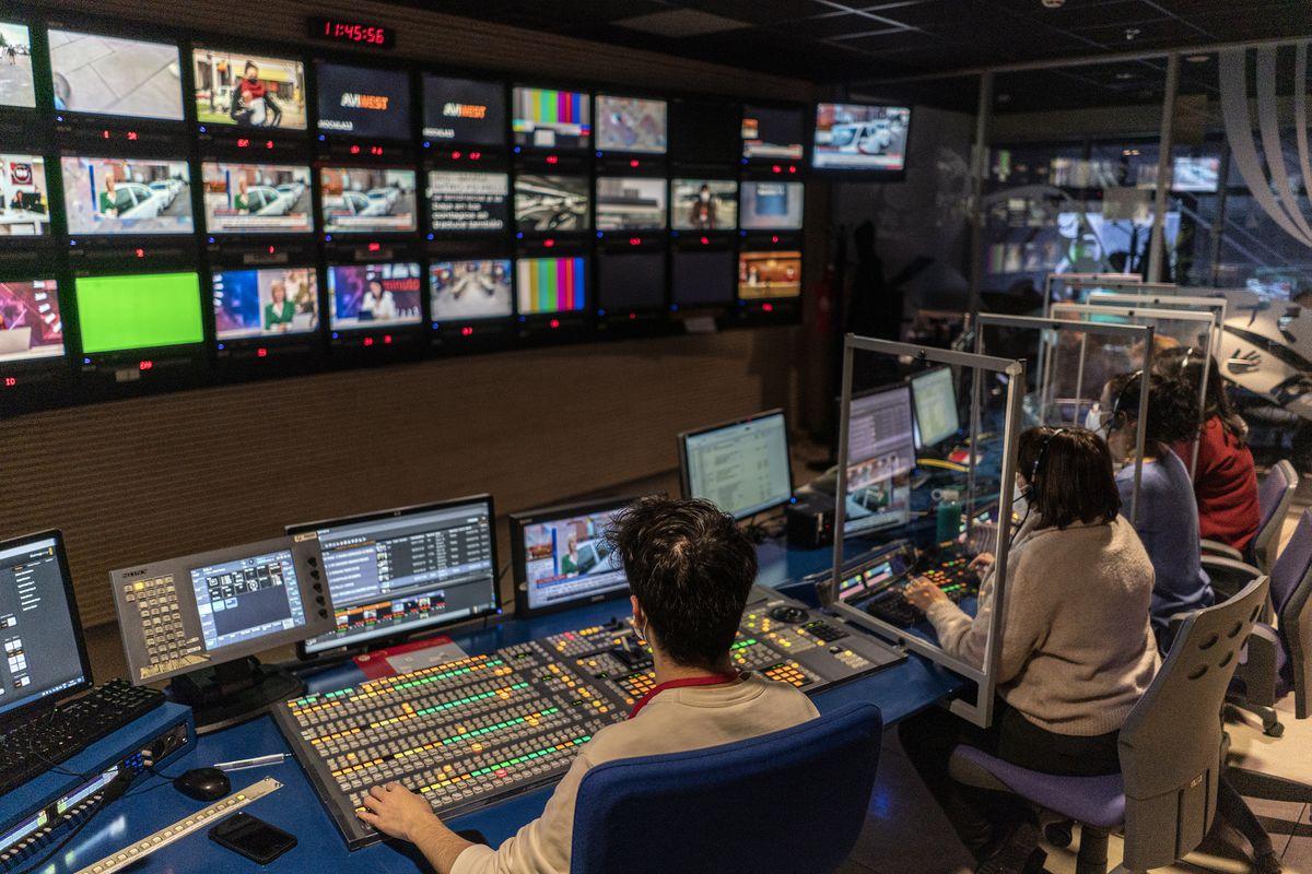 Los siete días en los que Díaz Ayuso se hizo con el control total de Telemadrid  Madrid