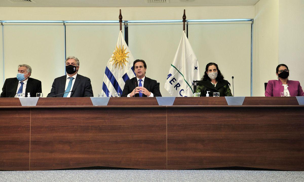 Luis Lacale Poe: La Rebelión de Uruguay ha tensado al máximo al Mercosur  Ciencias económicas