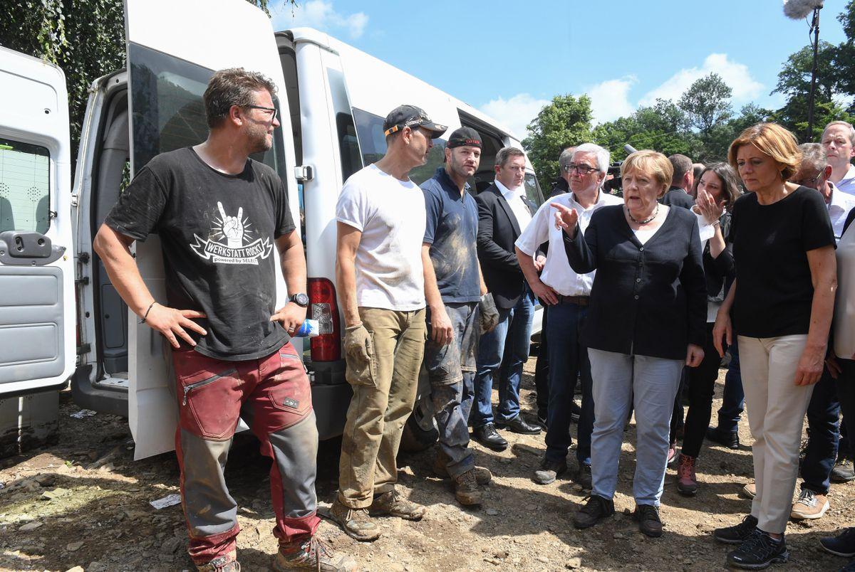 """Merkel """"conmocionada"""" por la devastación de las inundaciones en Alemania  Internacional"""