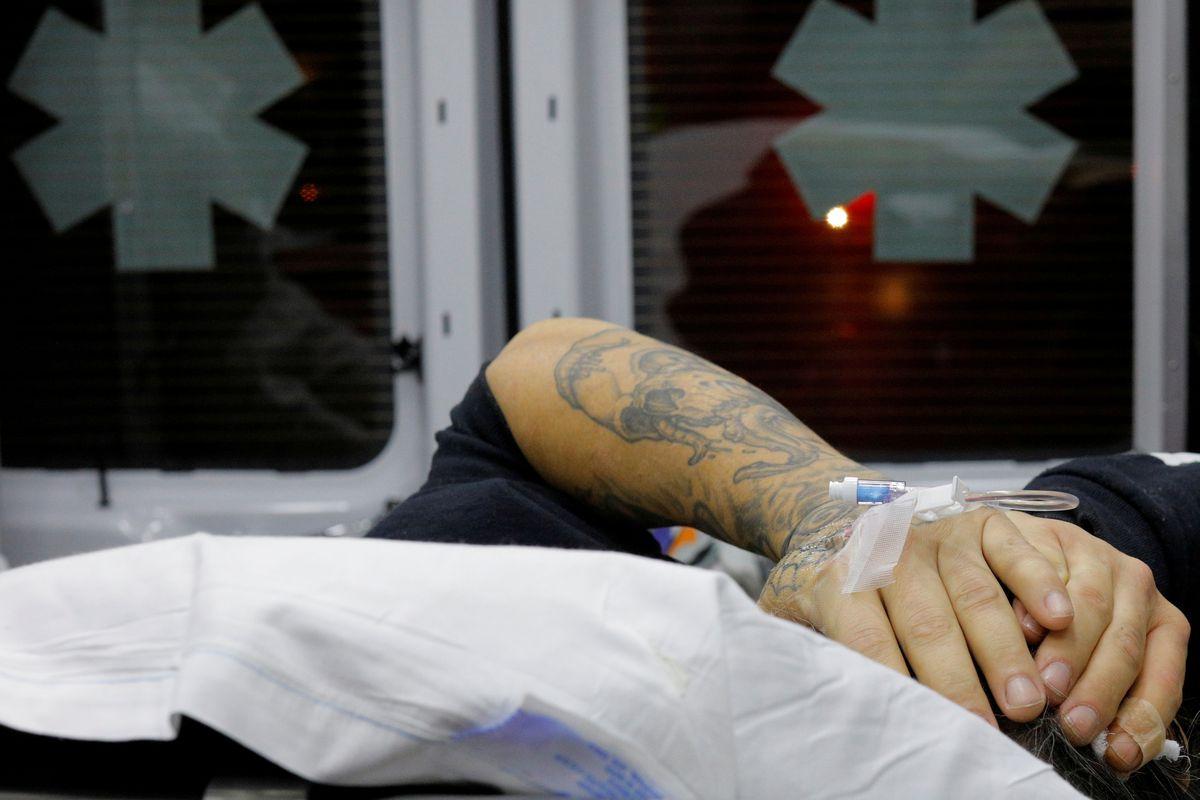 Productos farmacéuticos estadounidenses negocian un acuerdo de 26.000 millones de dólares para participar en la crisis de los opioides  Comunidad