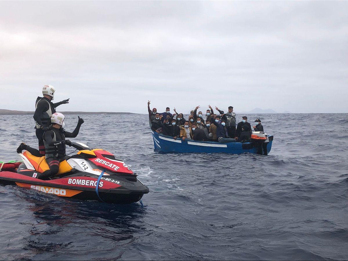 47 personas mueren de hambre en un barco con destino a las Islas Canarias  España