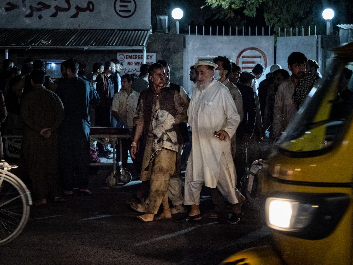 Aeropuerto de Kabul: la multitud que se opone al riesgo de ataques  Internacional
