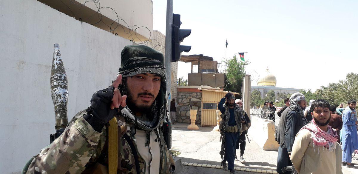 Afganistán: los talibanes se apoderan de Herat, la tercera ciudad más grande de Afganistán  Internacional