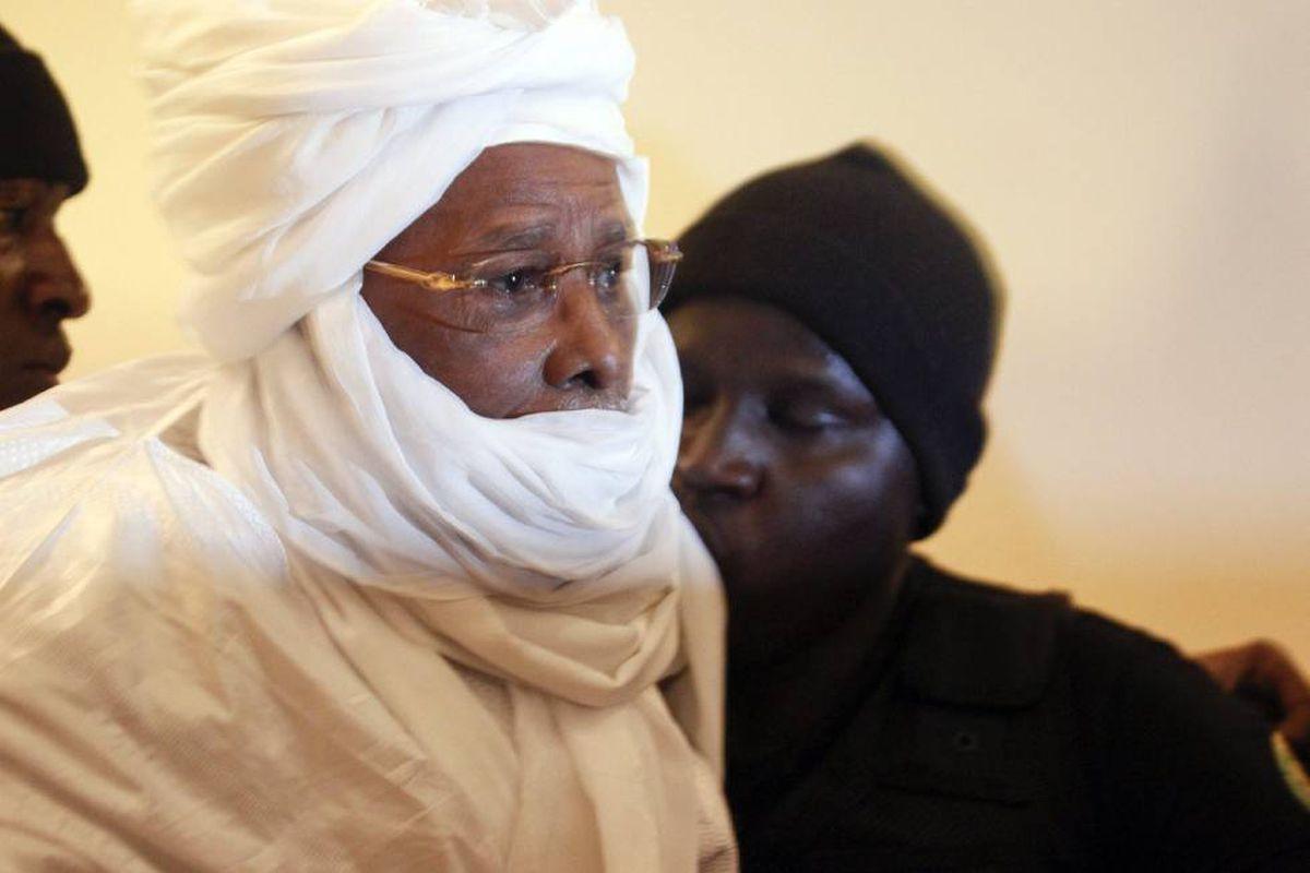 El ex dictador chadiano Hyssen Habre muere en Dakar por COVID  Internacional