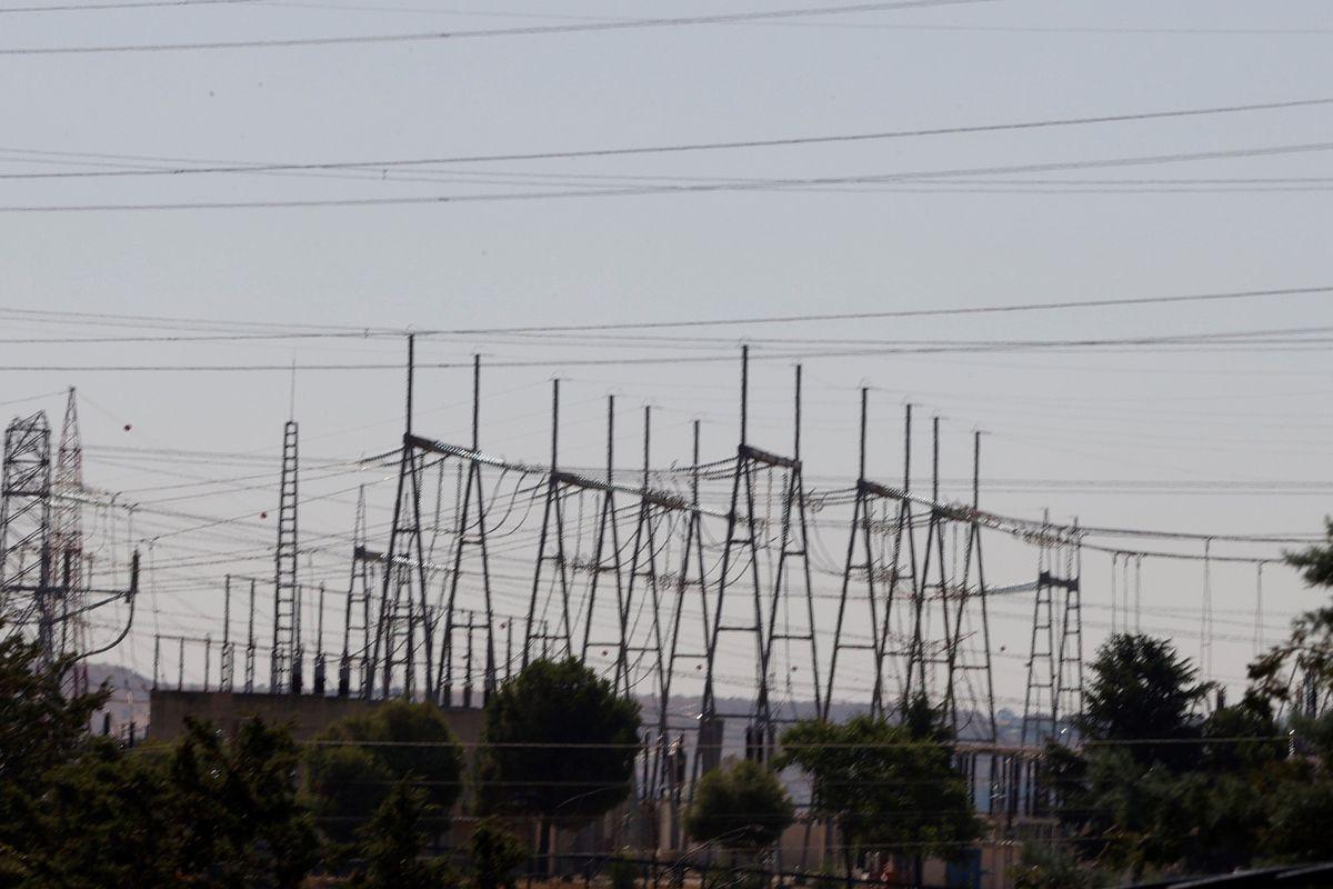 El precio de la electricidad supera su máximo histórico por tercer día consecutivo  Ciencias económicas