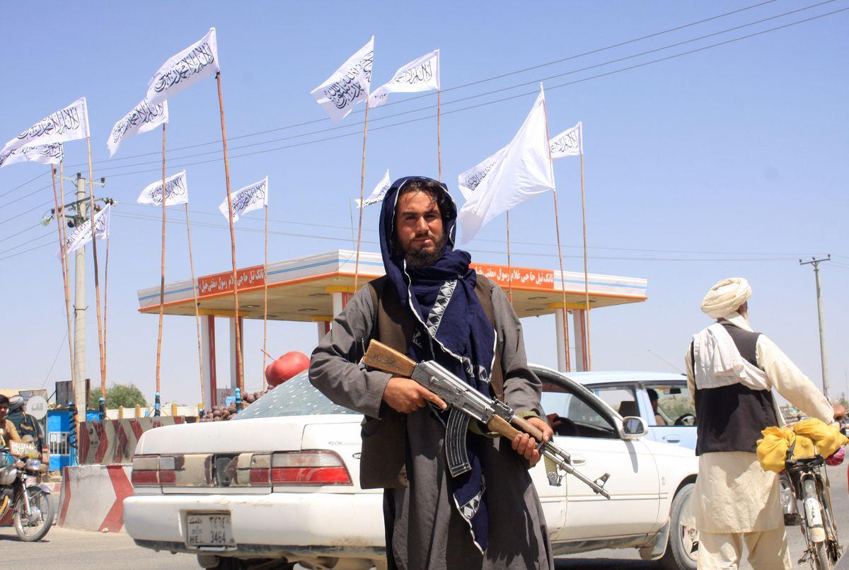 El presidente afgano acelera los contactos para poner fin al conflicto, dado el rápido movimiento de los talibanes hacia Kabul |  Internacional