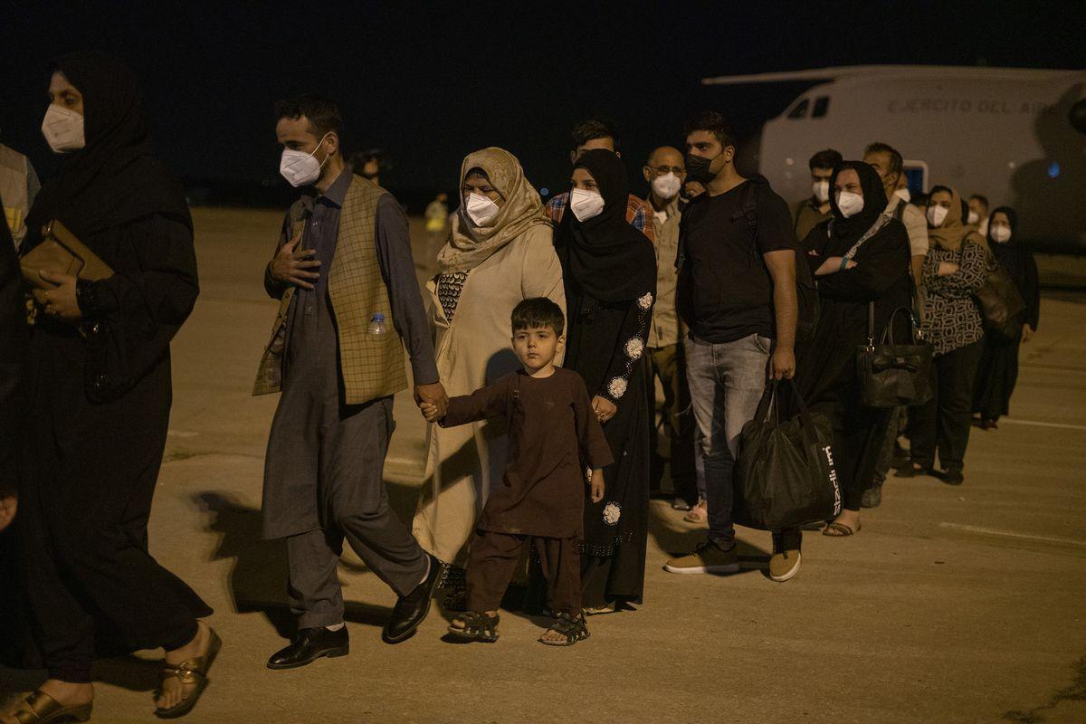 El primer avión con refugiados afganos aterriza en Torrejón a las 4.30 horas  España