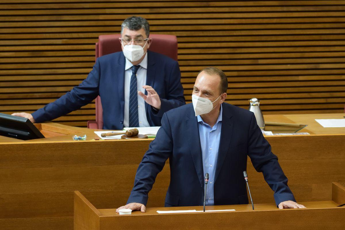 El vicepresidente Ruben Dalmau anuncia su intención de dejar el gobierno valenciano  Valencia