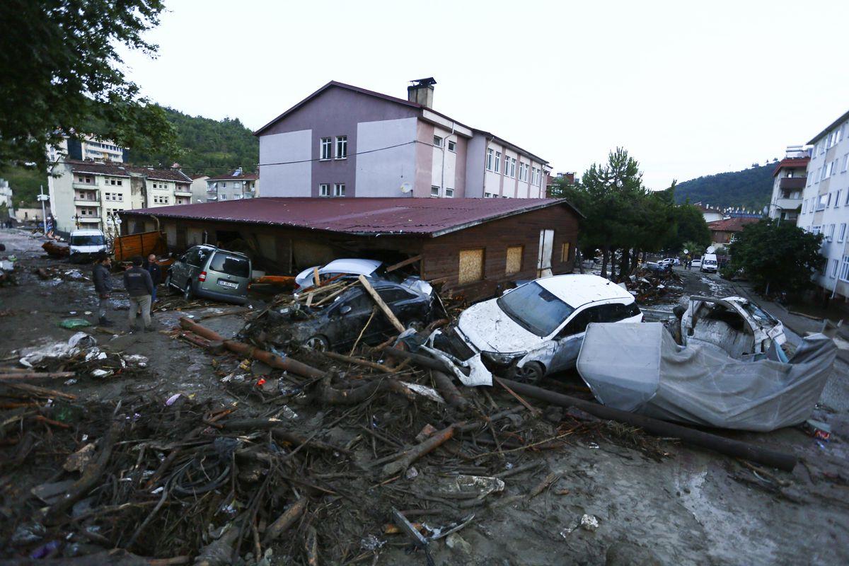 Kastamonu: Al menos cuatro muertos y uno desaparecido en las inundaciones en el norte de Turquía tras una ola de incendios |  Internacional