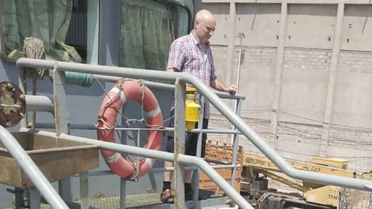 La esposa de un marinero gallego detenido en Yemen solicita la intervención del Defensor del Pueblo  España