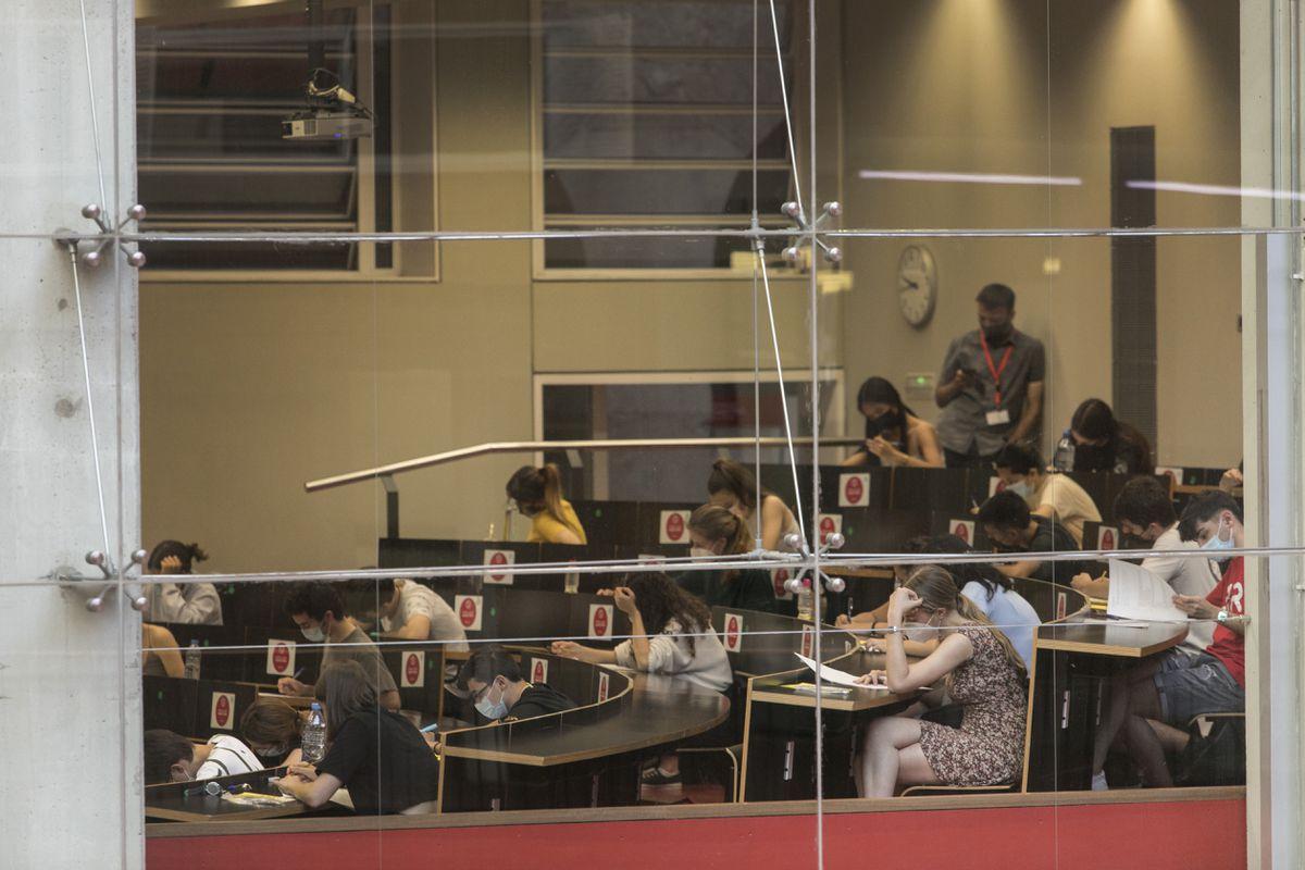 La hegemonía universitaria de Estados Unidos se resquebraja sin España en el horizonte  Educación