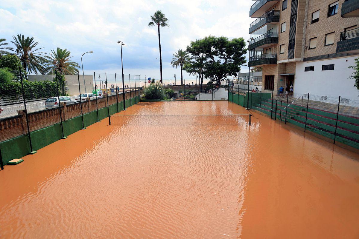 Lluvias torrenciales: Valencia y Castellón, en previsión de tormentas que han vertido 100 litros por hora en Sagunto    Valencia