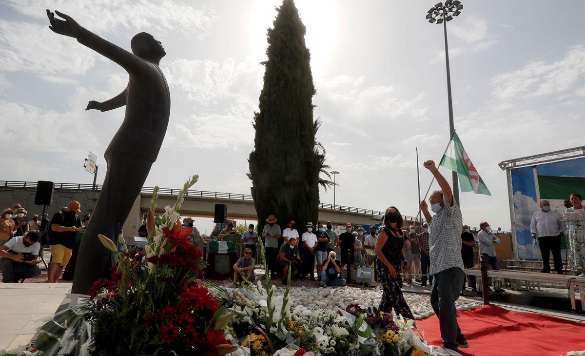 Los partidos políticos andaluces muestran su división en homenaje a Blas Infante  España
