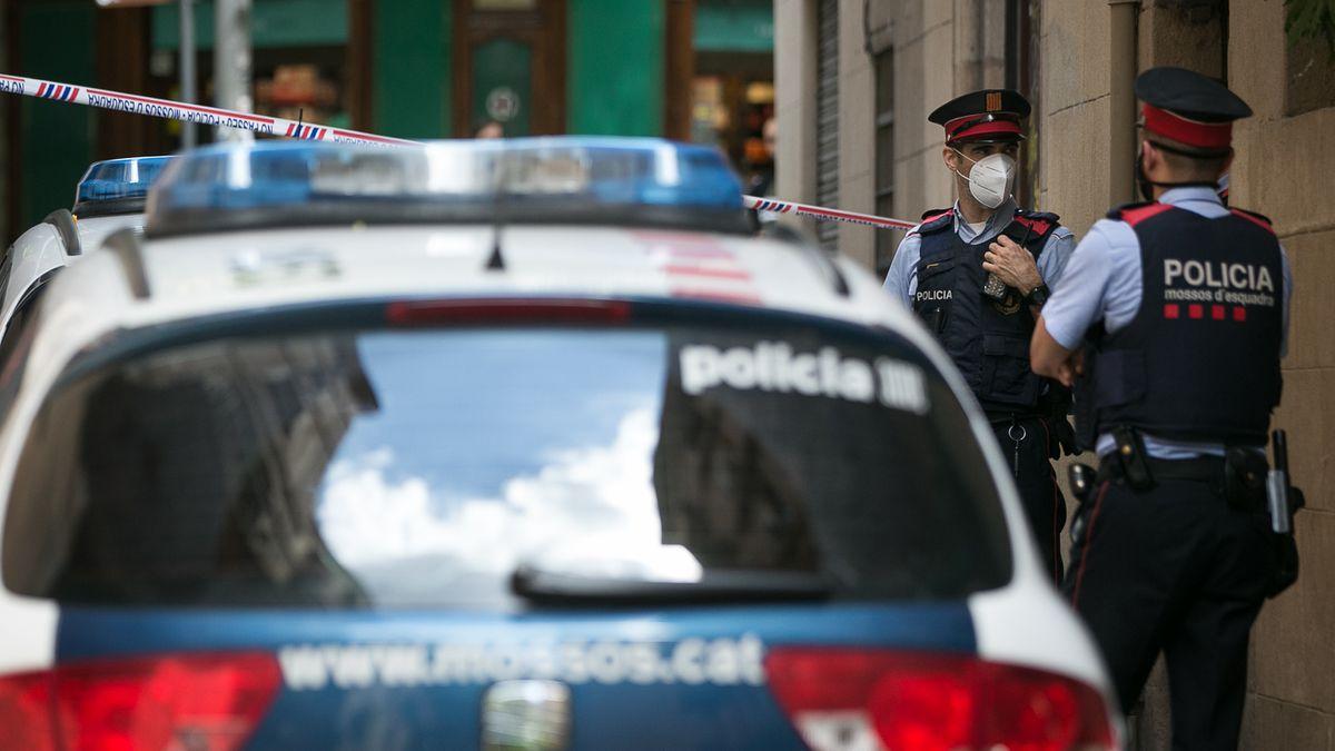 Mossos encuentran los cuerpos de una pareja de ancianos en un piso en Balaguer  Cataluña