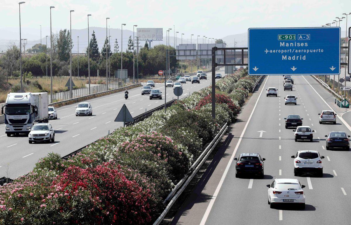 Operación de tráfico especial: la DGT prevé 6,6 millones de desplazamientos por carretera este fin de semana, un 7% más que en 2020    España