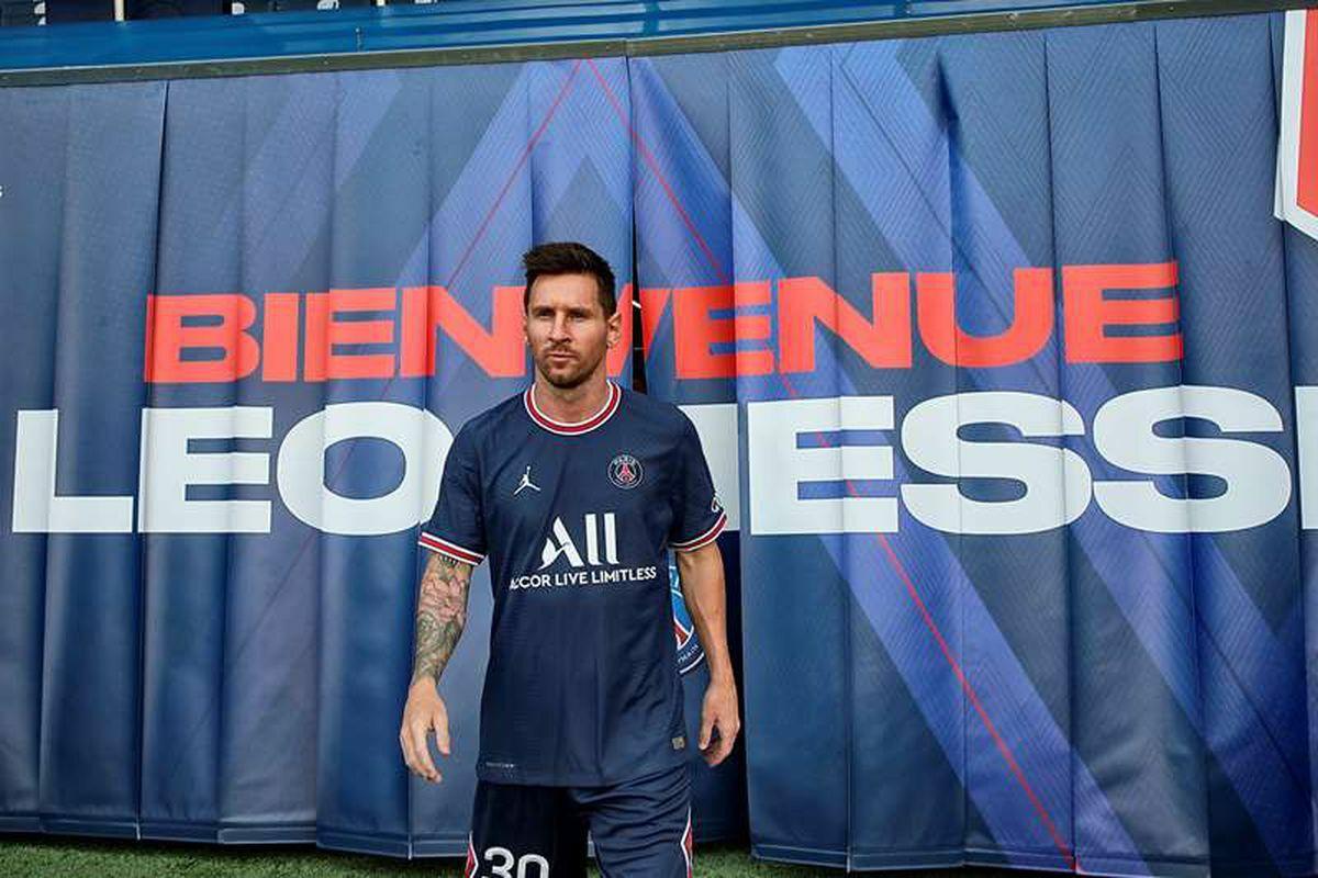 """Presentación de Leo Messi como jugador del PSG, en directo: """"Salir del Barcelona fue difícil, pero ahora mi felicidad es grande""""    deporte"""