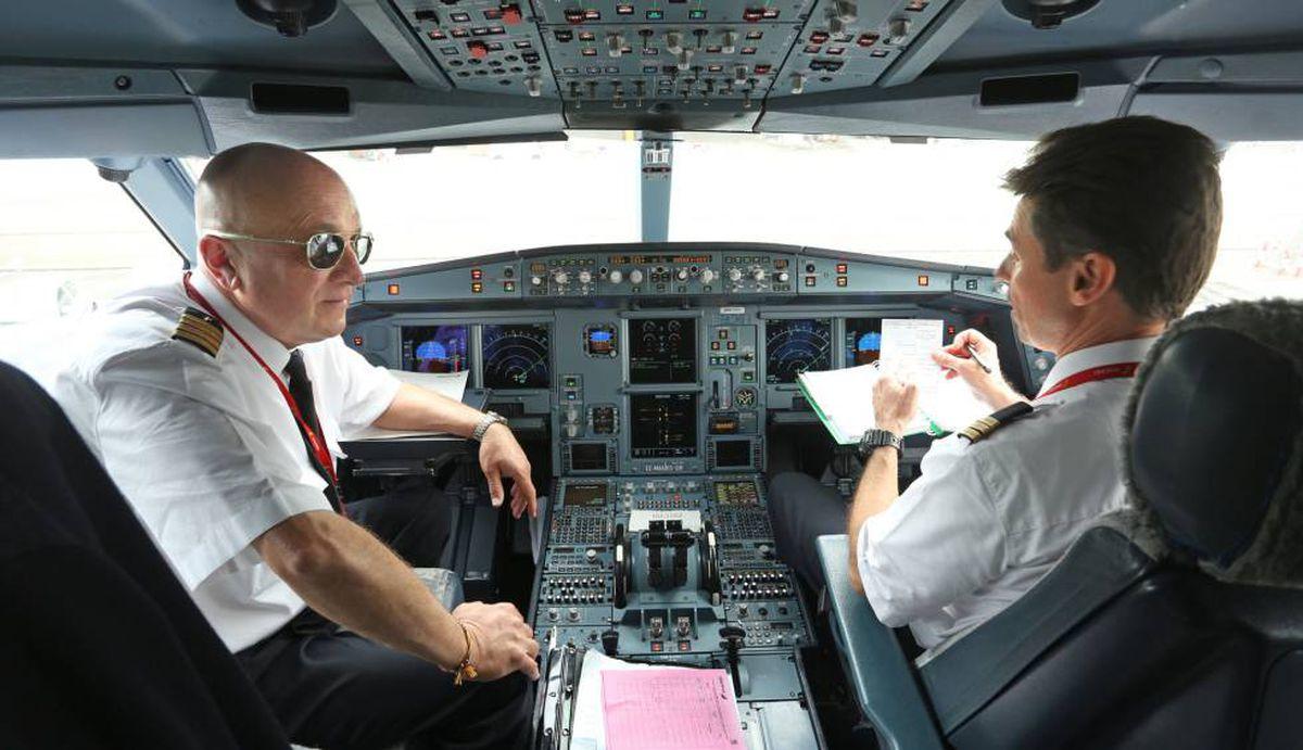 Sepla condena que Iberia y Vueling mantengan sus pilotos en ERTE para ahorrar costes a costa del Estado |  Ciencias económicas
