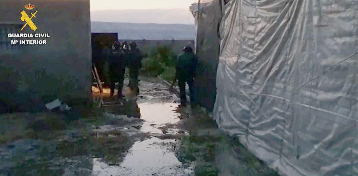 Silencio entre los invernaderos de Almería: un nuevo golpe al clan Pintaos  España