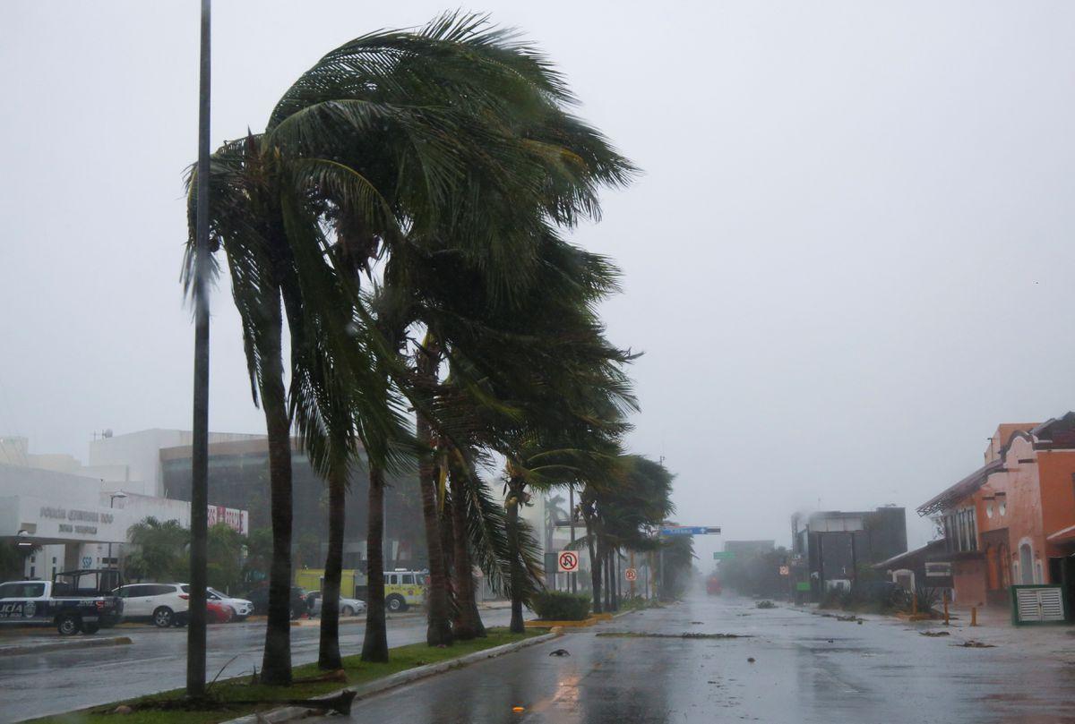 Trayectoria: El huracán Grace atraviesa la Península de Yucatán en su camino hacia el Golfo de México y volverá a llegar a tierra en Veracruz.