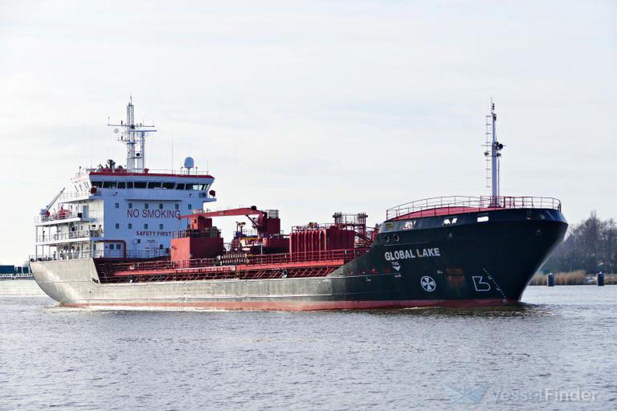 Tres tripulantes de un carguero mueren frente a las costas de Cartagena por inhalación de gases    España