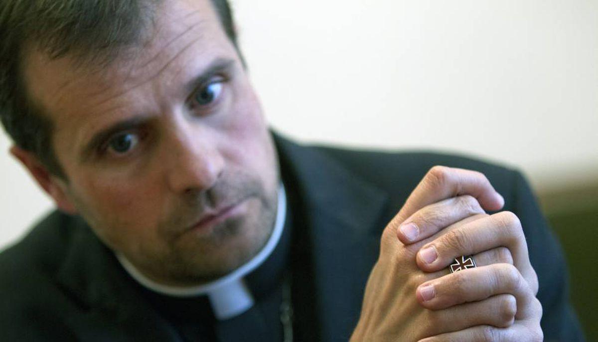 Xavier Novel: El Papa acepta la dimisión del obispo Solson por motivos personales    Cataluña