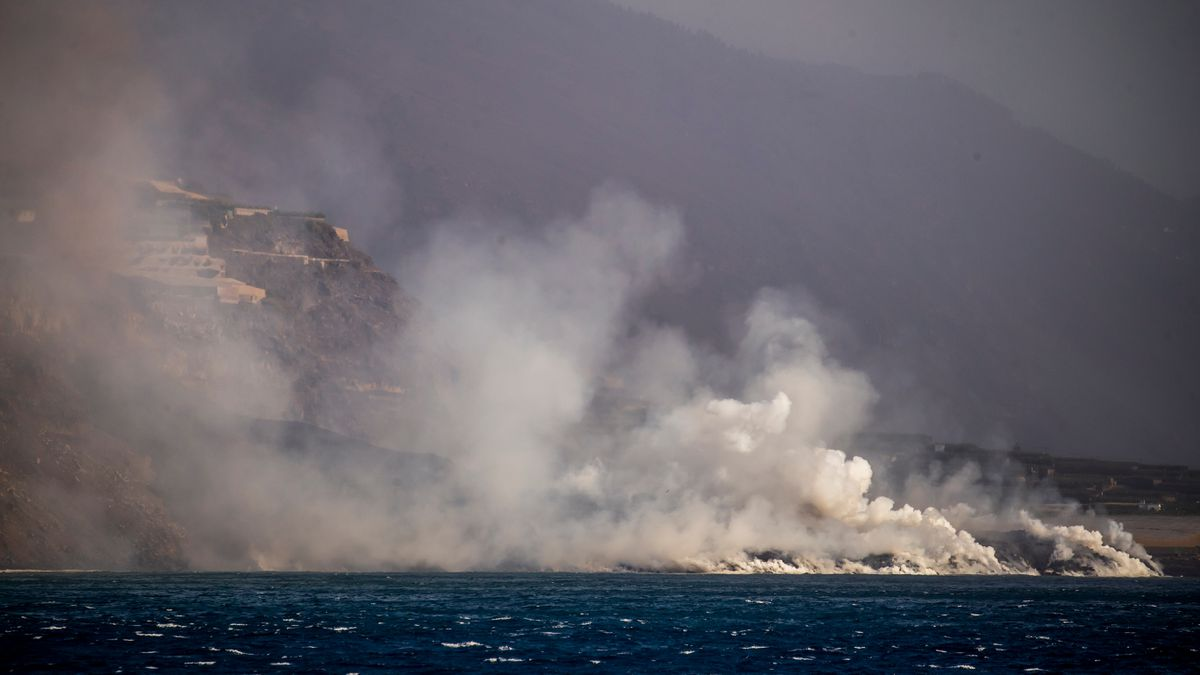 Cumbre Vieja: Últimas noticias del volcán en erupción de La Palma, en directo |  La actividad explosiva y las emisiones de gases del volcán se están acelerando nuevamente  España