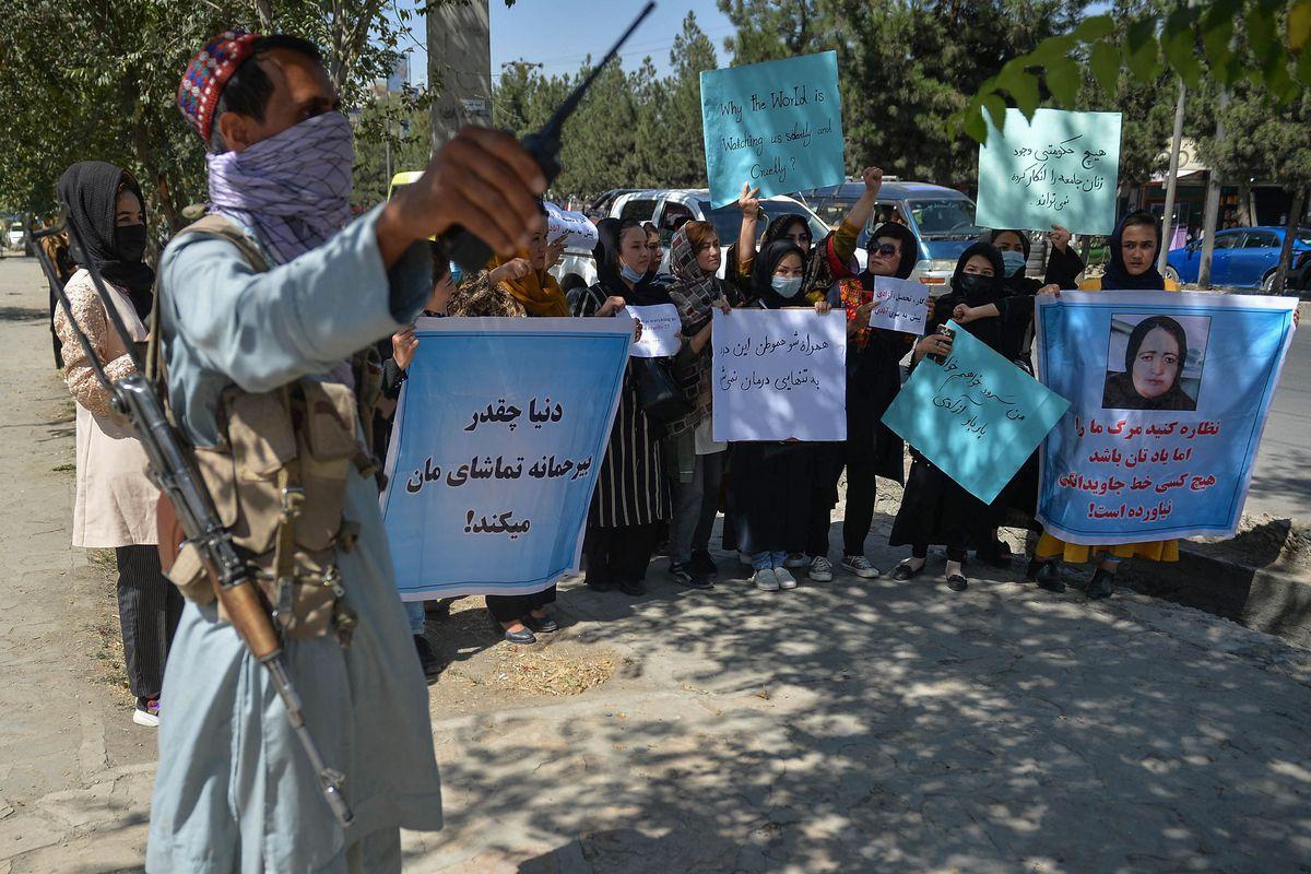 Afganistán: los talibanes prohíben las manifestaciones en medio del eco internacional de las protestas de mujeres  Internacional