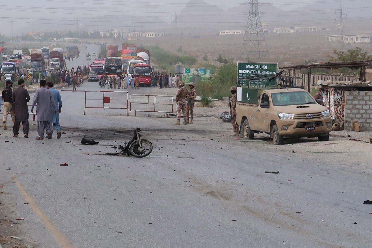 Al menos cuatro muertos y veinte heridos en un ataque suicida en Pakistán  Internacional