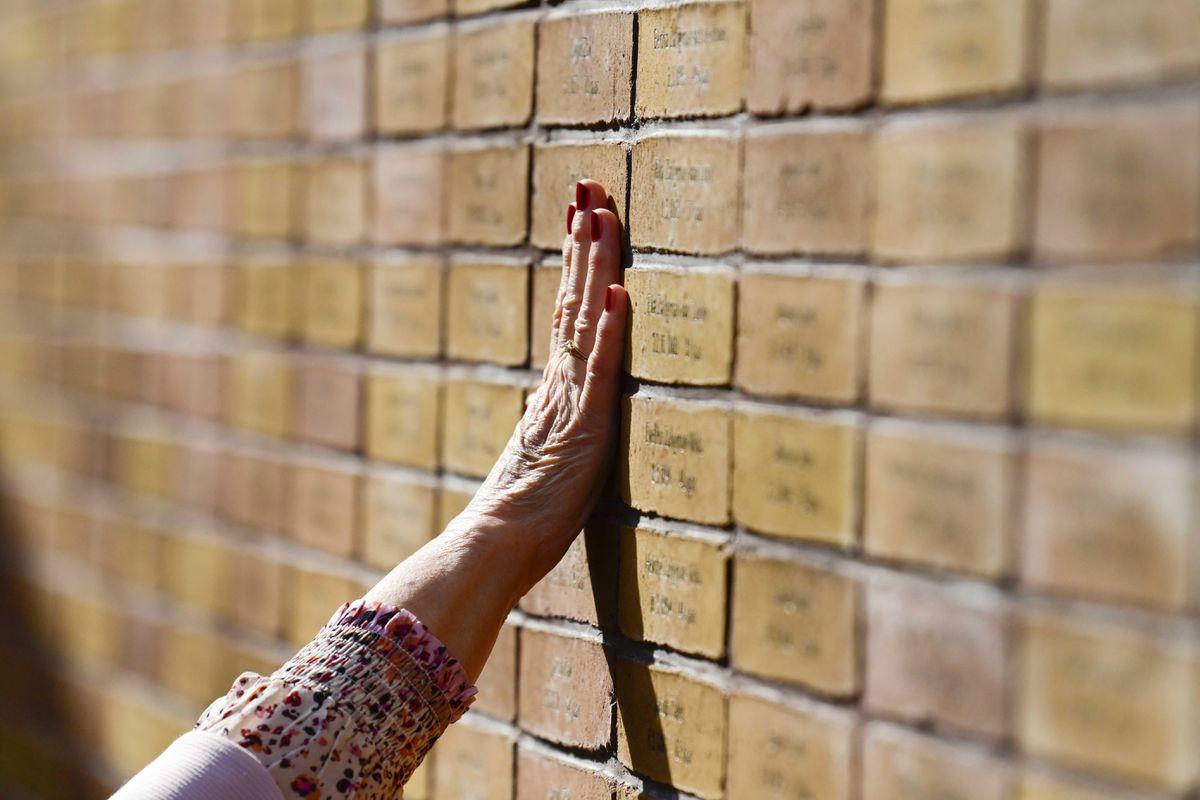 Ámsterdam inaugura un monumento a los judíos y romaníes víctimas del Holocausto  Internacional
