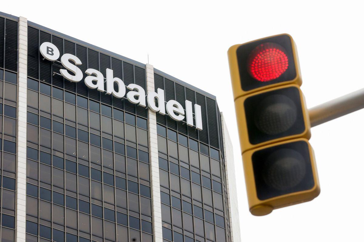 Banco Sabadell ofrece sindicatos ERE de 1.900 trabajadores  Ciencias económicas
