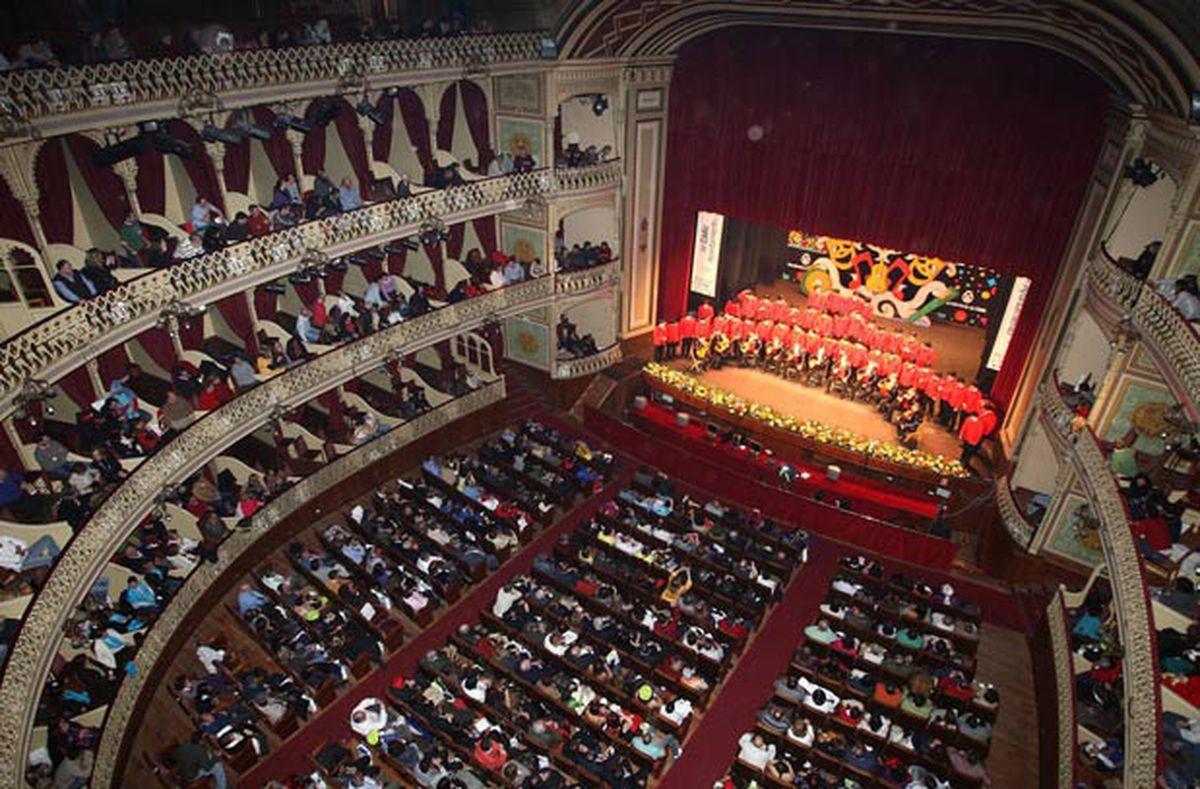 Cádiz pospone su carnaval del 9 de junio por miedo a nuevas oleadas de coronavirus  Cultura