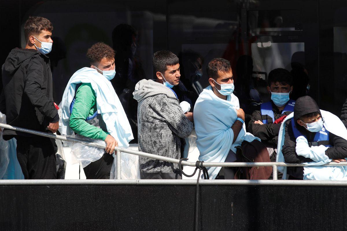 Canal de la Mancha: La administración Johnson amenaza con devolver inmigrantes irregulares a aguas francesas |  Internacional