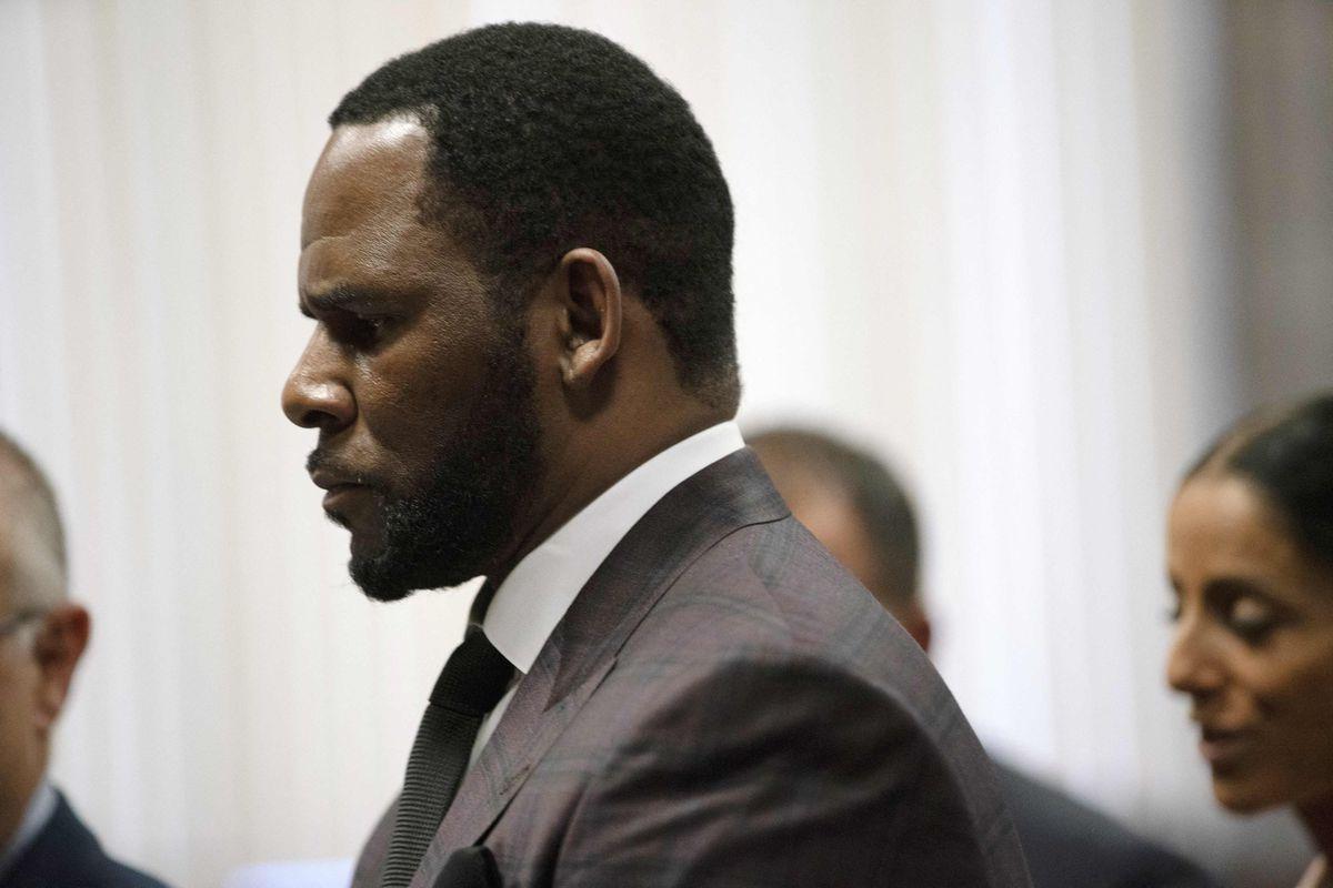 Cantante R. Kelly condenado por tráfico y abuso sexual y crimen organizado por un tribunal de Nueva York    Comunidad