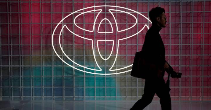 Cómo un caso de Covid-19 rompió la cadena de suministro de Toyota  Compañías