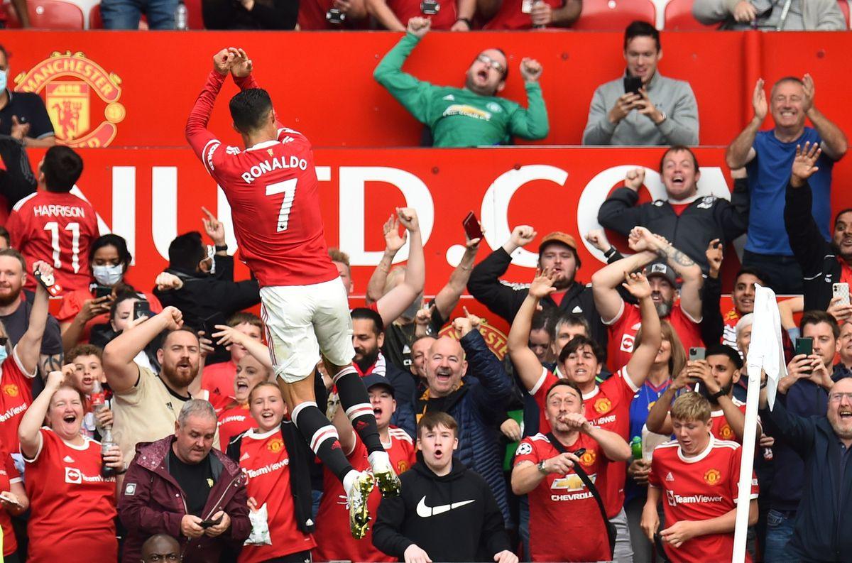 Cristiano marcó dos goles en el glorioso regreso de Old Trafford  deporte
