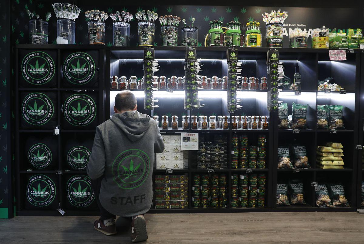 Dos iniciativas de Mas Pais y ERC estimulan el debate en el Congreso sobre la legalización del cannabis    Comunidad