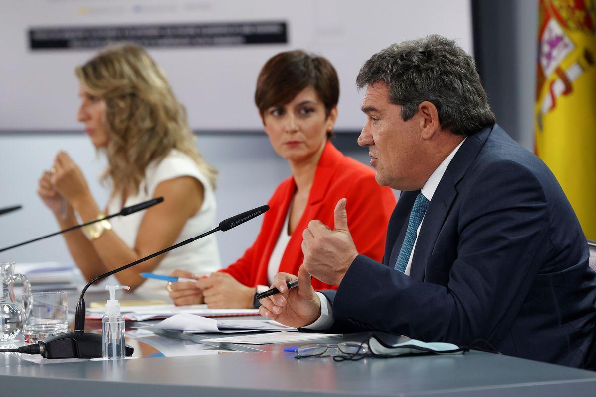 El Consejo de Ministros acuerda aumentar el salario mínimo en 15 euros en 2021 y prorrogar el ERTE hasta el 28 de febrero de 2022    Ciencias económicas