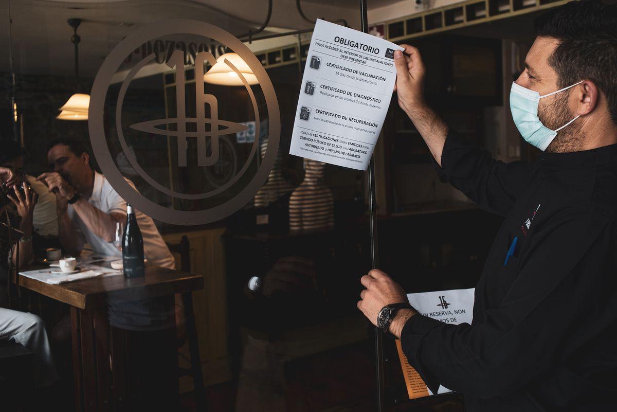 El Tribunal Supremo aprueba la exigencia del pasaporte Covid en bares y discotecas de Galicia  Comunidad