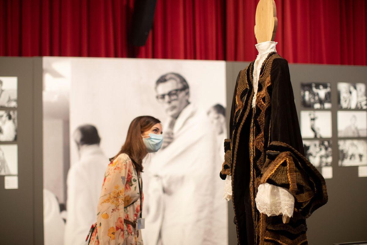 El centenario.  Fellini en el mundo: Fellini pinta su vida íntima  Cataluña