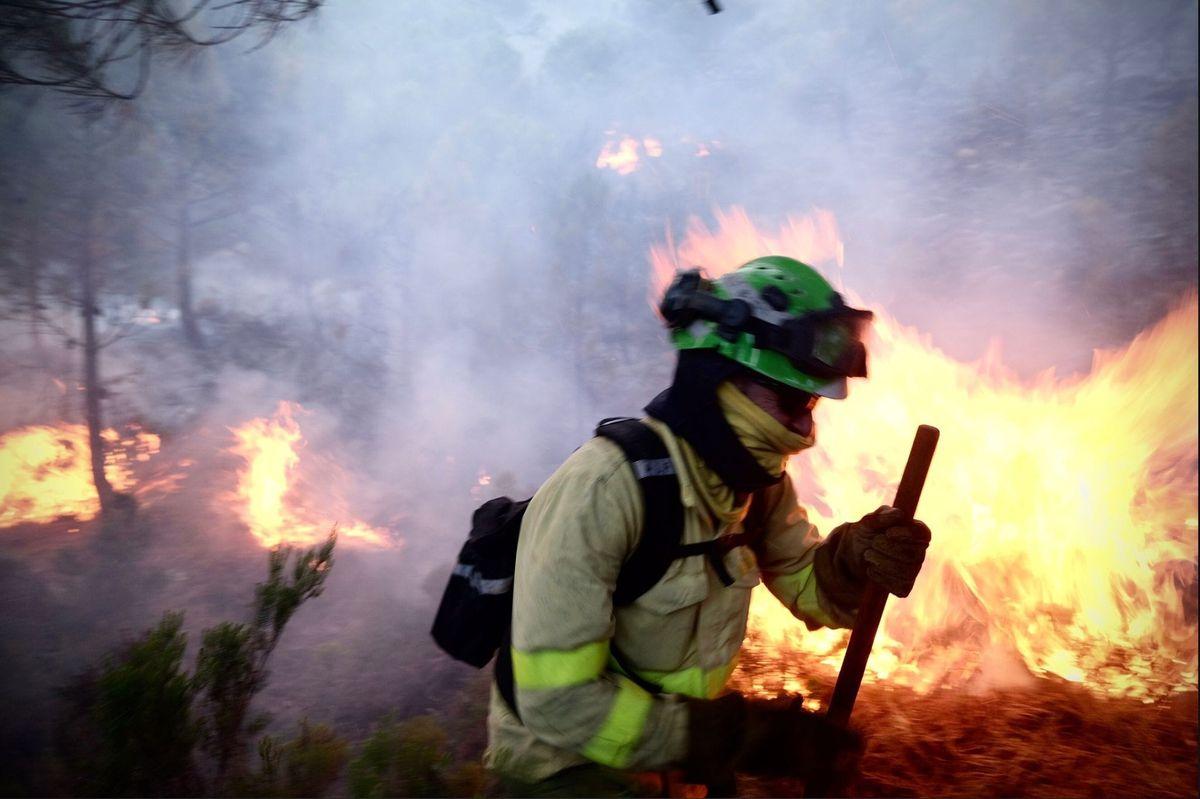 El incendio en Sierra Bermeja continúa incontrolable tras la calcinación de 7.400 hectáreas  España